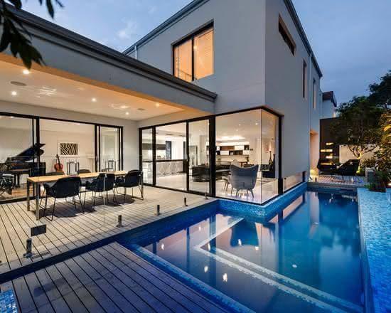 บ้านพร้อมสระว่ายน้ำ สุดหรูหร